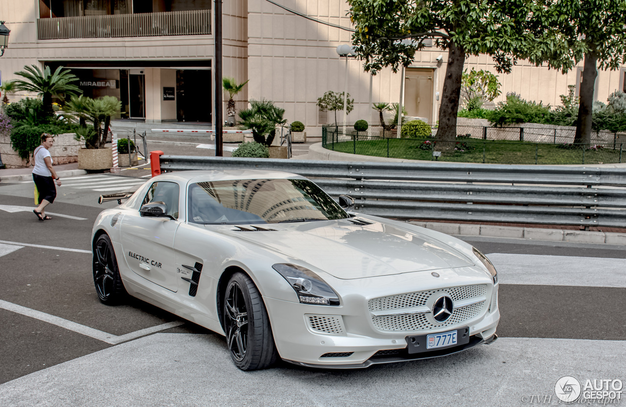 Mercedes benz sls amg electric drive 31 maart 2016 for Mercedes benz electric drive