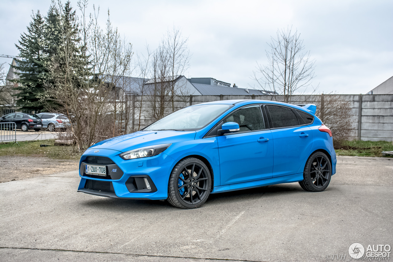 ford focus rs 2015 1 april 2016 autogespot. Black Bedroom Furniture Sets. Home Design Ideas