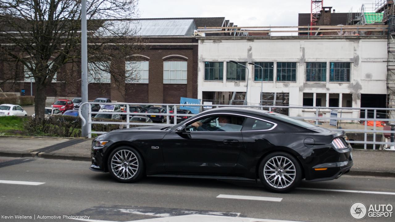 Ford Mustang GT 2015 - 3 April 2020 - Autogespot