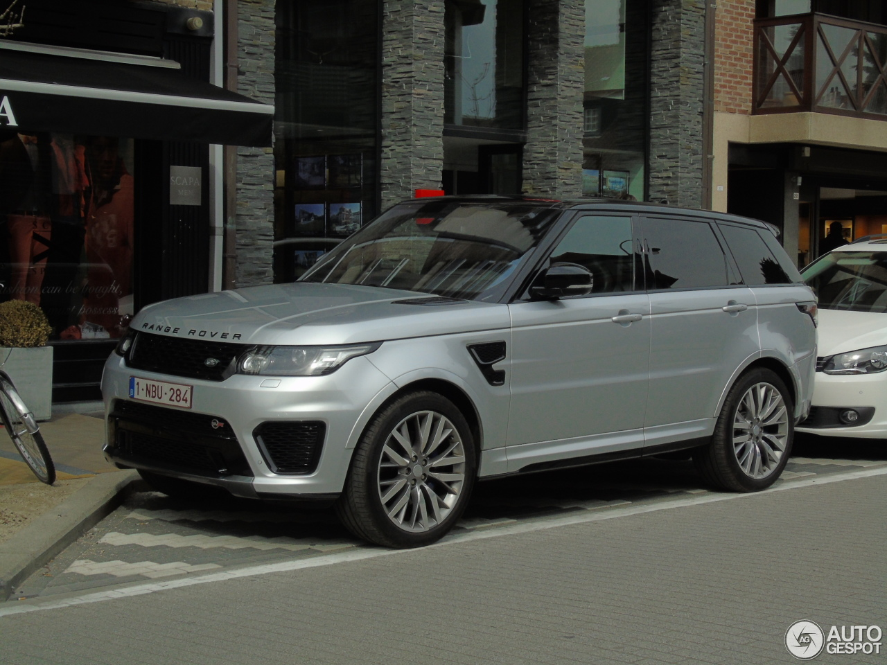 land rover range rover sport svr 3 avril 2016 autogespot. Black Bedroom Furniture Sets. Home Design Ideas