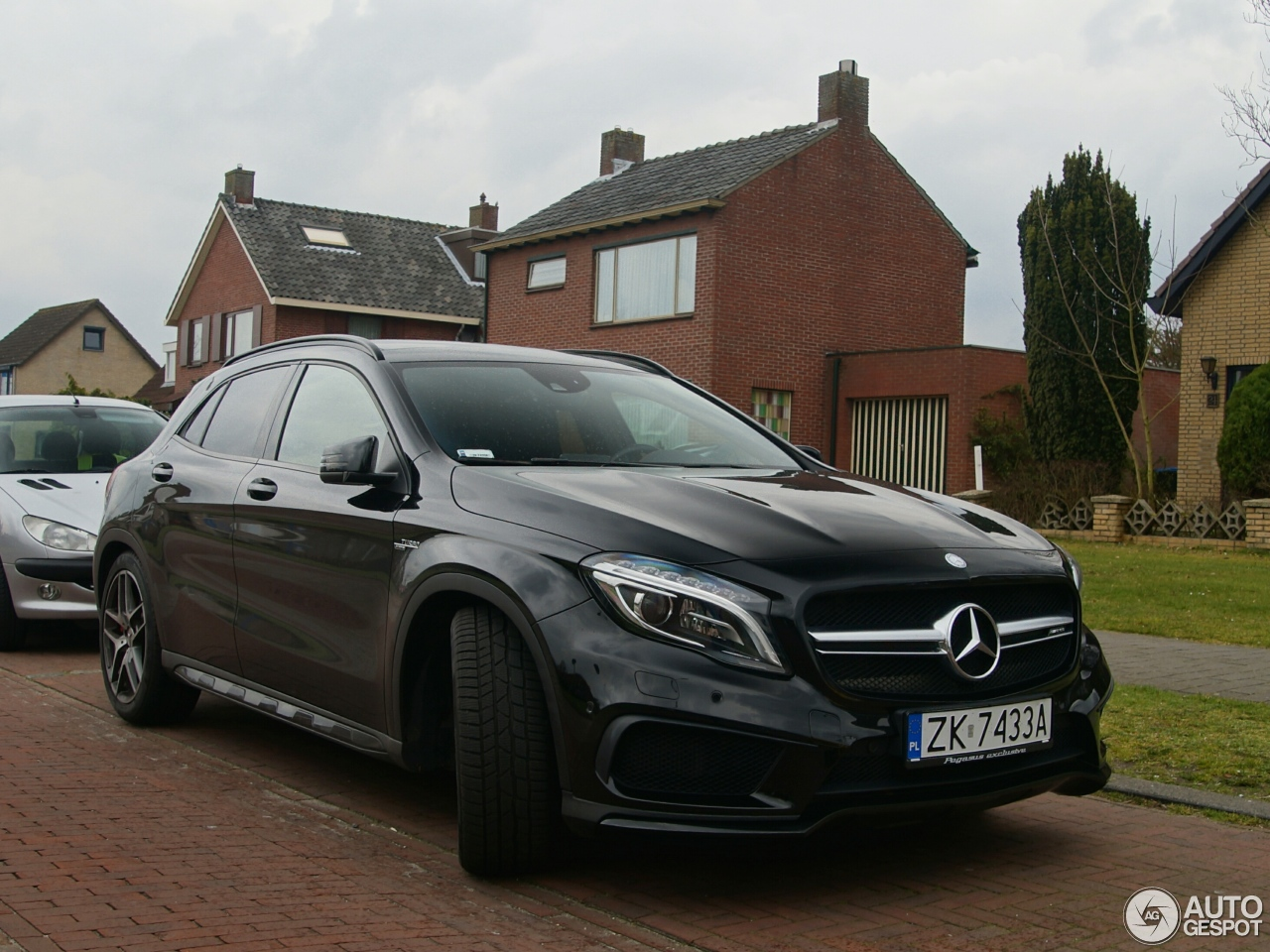 Mercedes benz gla 45 amg x156 3 april 2016 autogespot for Mercedes benz gla 45 amg for sale