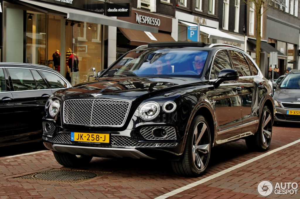Bentley Bentayga 9 April 2016 Autogespot
