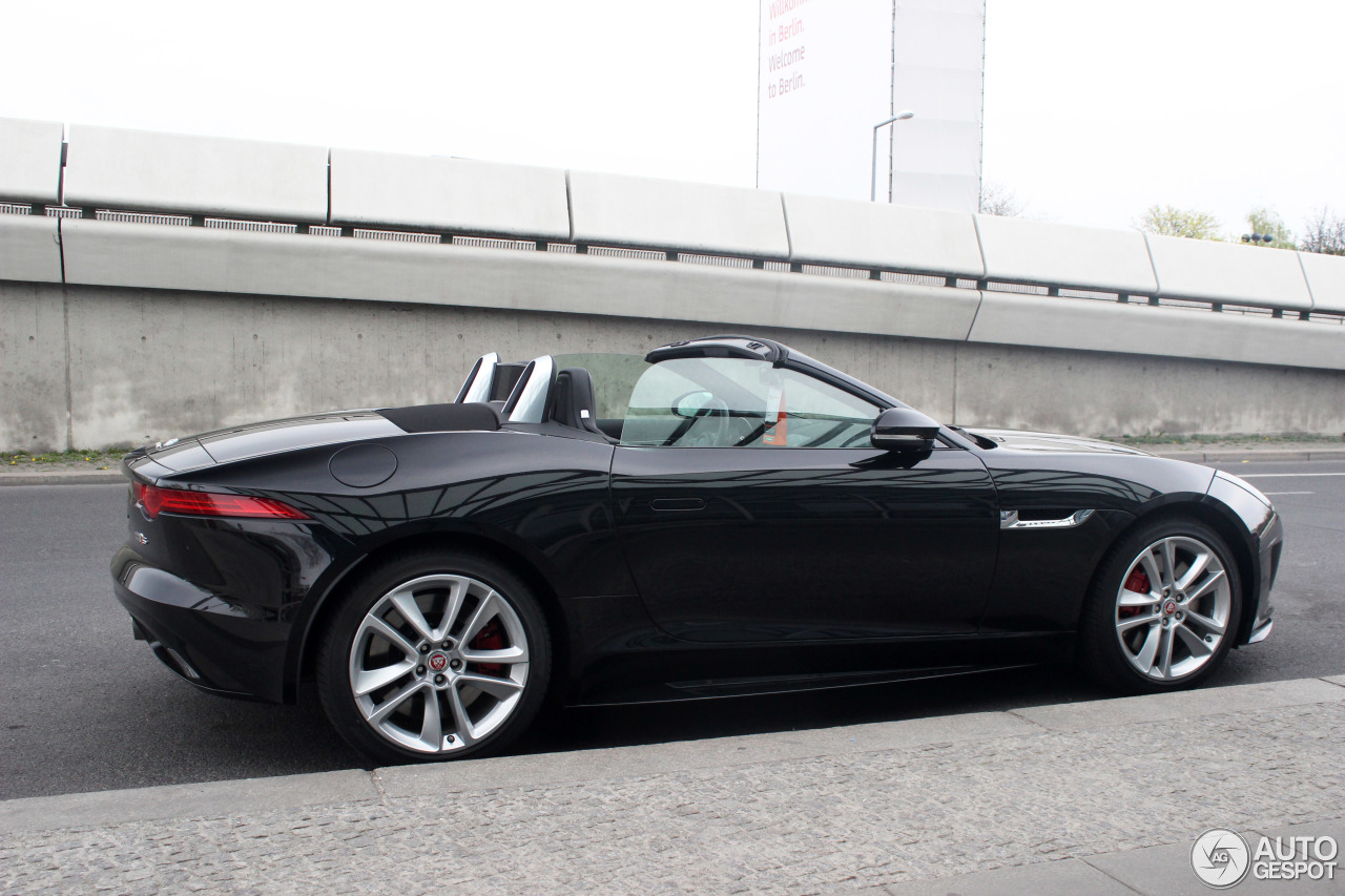 jaguar f type s awd convertible 13 april 2016 autogespot. Black Bedroom Furniture Sets. Home Design Ideas