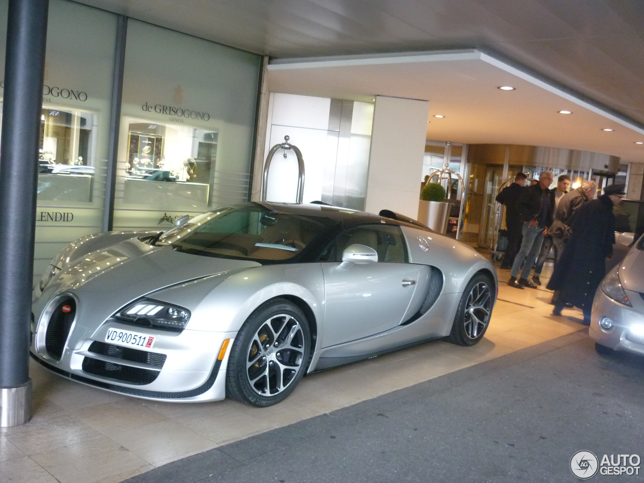 bugatti veyron 16 4 grand sport vitesse 16 april 2016 autogespot. Black Bedroom Furniture Sets. Home Design Ideas