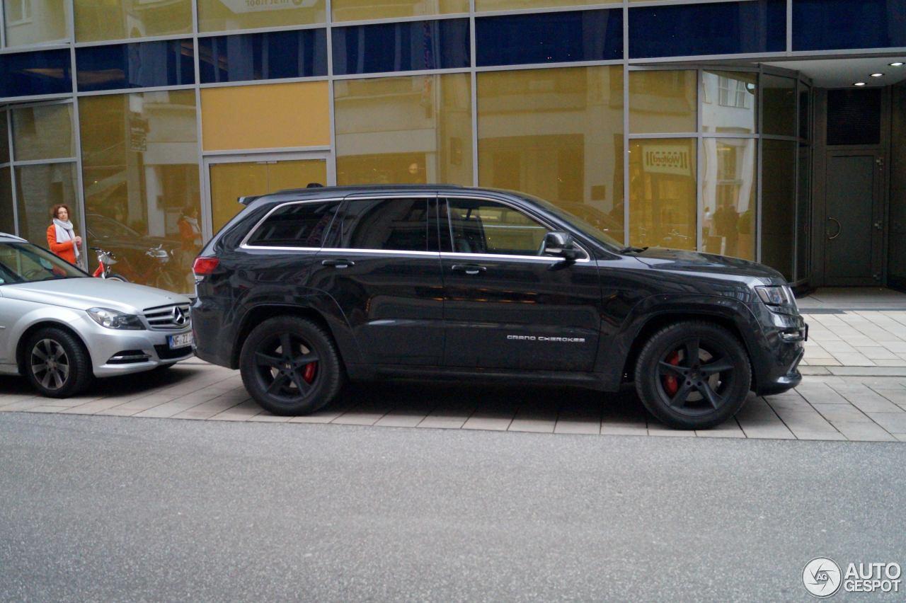 jeep grand cherokee srt 8 2013 20 april 2016 autogespot. Black Bedroom Furniture Sets. Home Design Ideas
