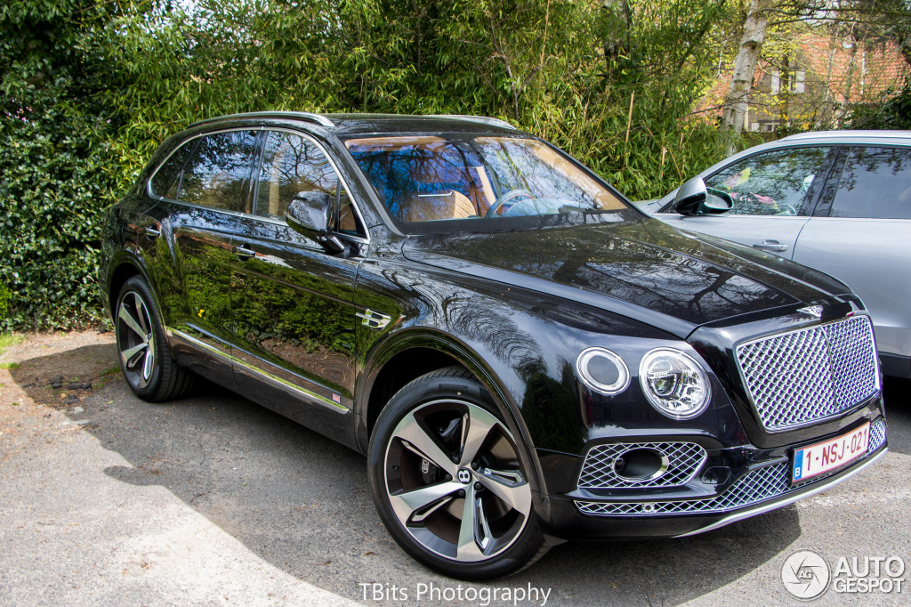 bentley bentayga 21 april 2016 autogespot. Black Bedroom Furniture Sets. Home Design Ideas