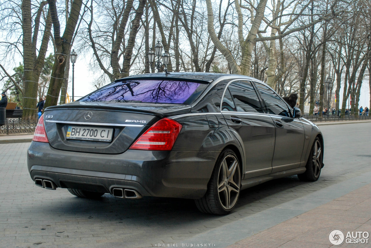 Mercedes benz s 63 amg w221 2010 21 april 2016 autogespot for Mercedes benz w221 price