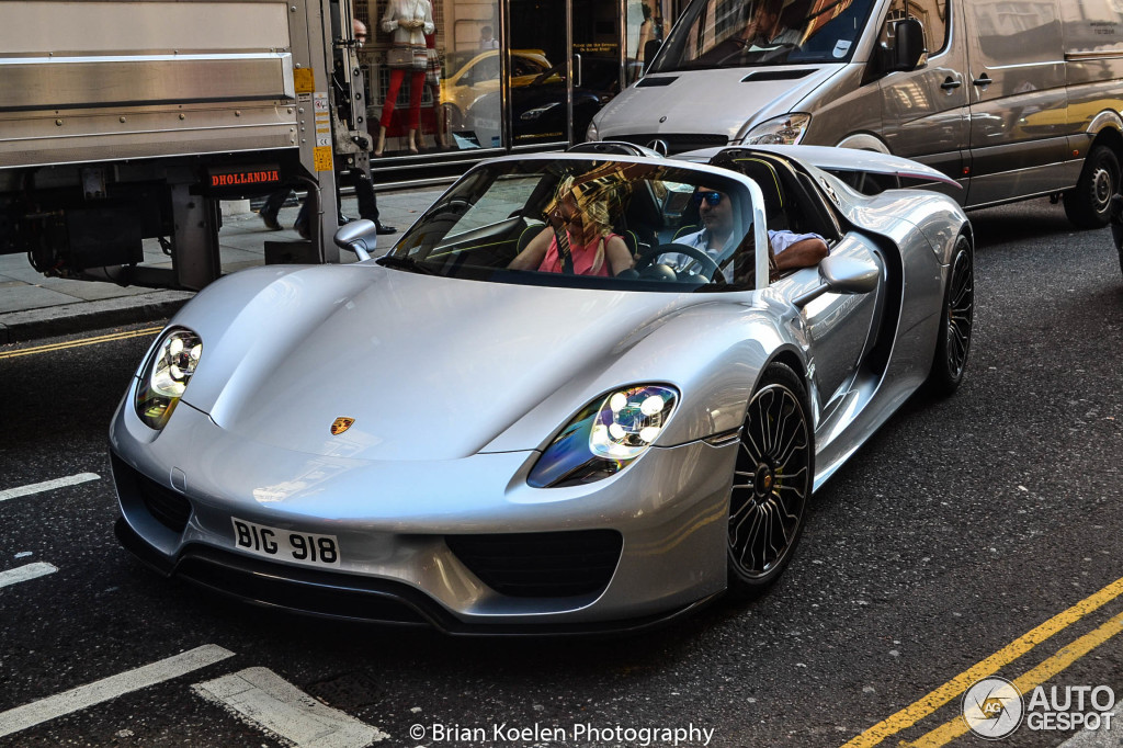 porsche 918 spyder 23 april 2016 autogespot. Black Bedroom Furniture Sets. Home Design Ideas