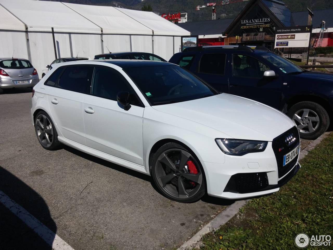 audi rs3 sportback 8v 28 april 2016 autogespot. Black Bedroom Furniture Sets. Home Design Ideas