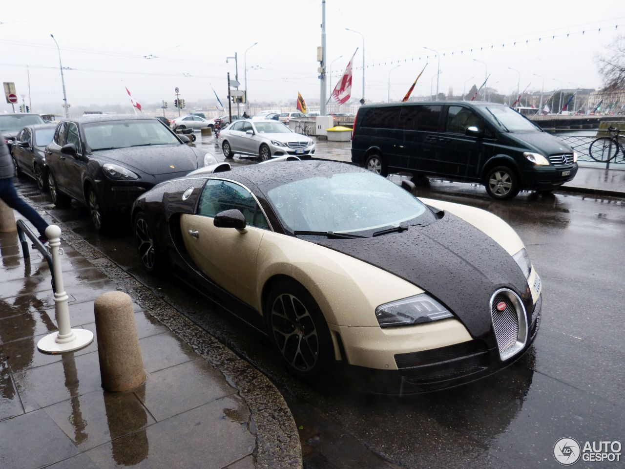 bugatti veyron 16 4 grand sport vitesse 28 april 2016 autogespot. Black Bedroom Furniture Sets. Home Design Ideas