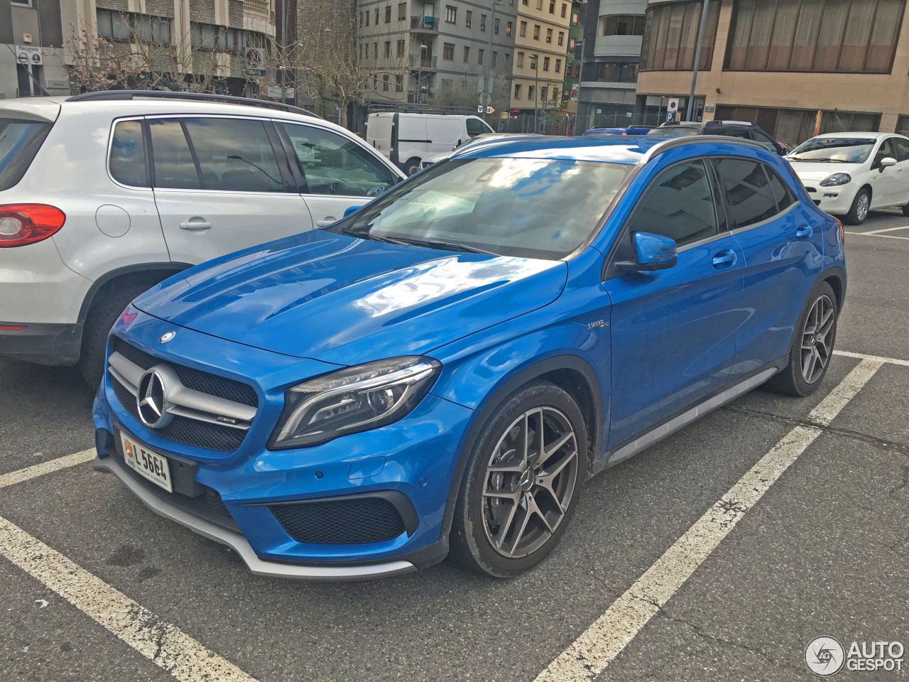 Mercedes benz gla 45 amg x156 28 april 2016 autogespot for Mercedes benz gla 45 amg