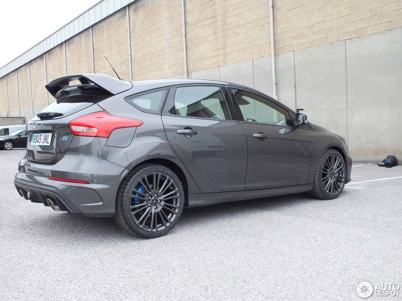 ford focus rs 2015 30 april 2016 autogespot. Black Bedroom Furniture Sets. Home Design Ideas