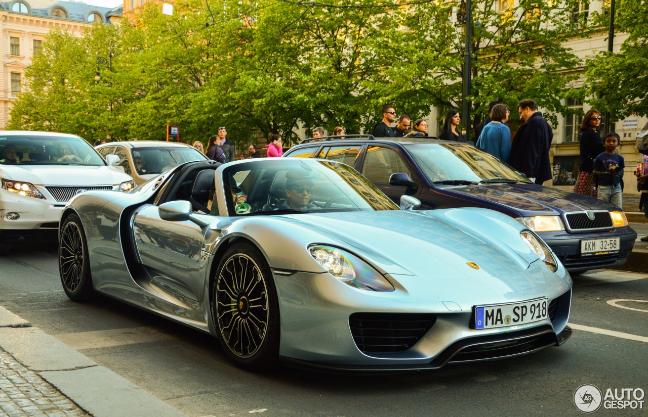porsche 918 spyder 30 april 2016 autogespot. Black Bedroom Furniture Sets. Home Design Ideas
