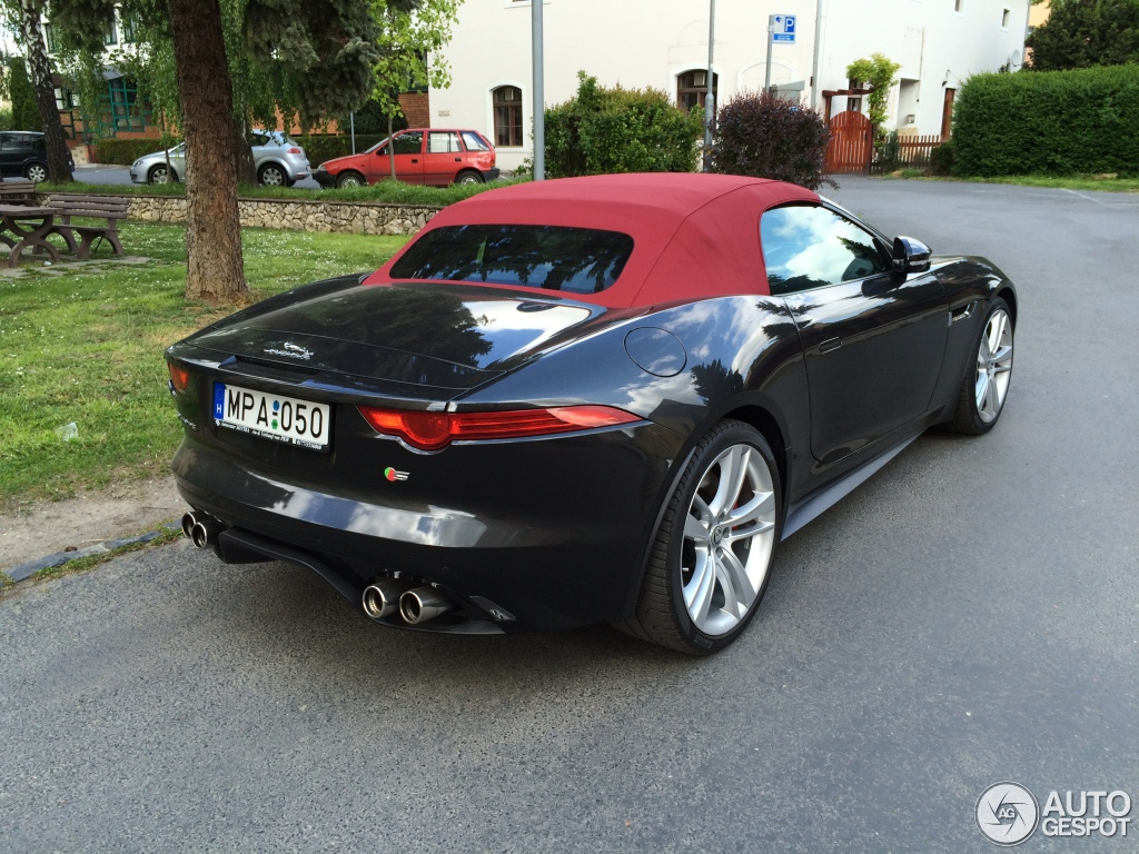 jaguar f type s v8 convertible 1 may 2016 autogespot. Black Bedroom Furniture Sets. Home Design Ideas