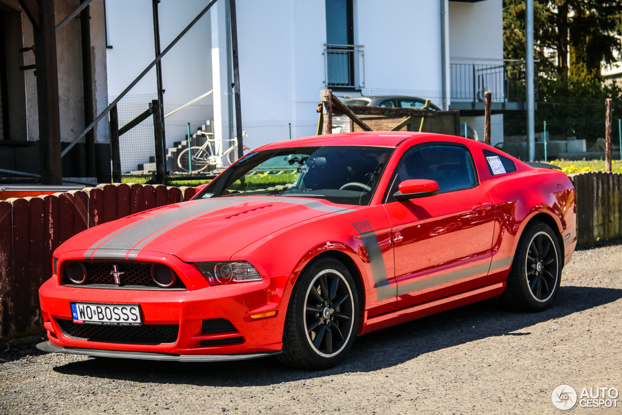 ford mustang boss 302 2013 5 may 2016 autogespot. Black Bedroom Furniture Sets. Home Design Ideas