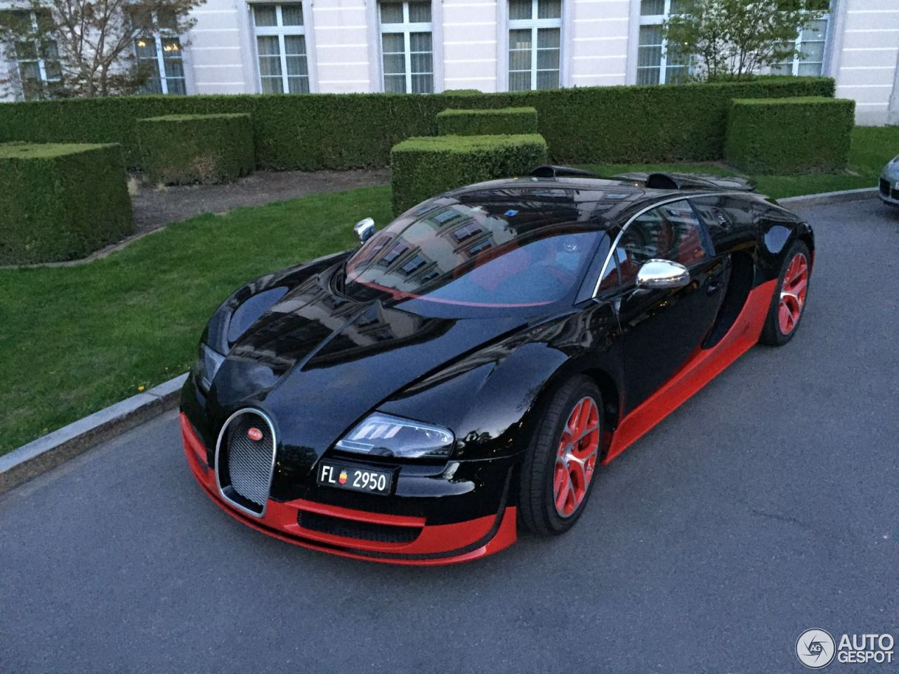 bugatti veyron 16 4 grand sport vitesse 7 may 2016 autogespot. Black Bedroom Furniture Sets. Home Design Ideas