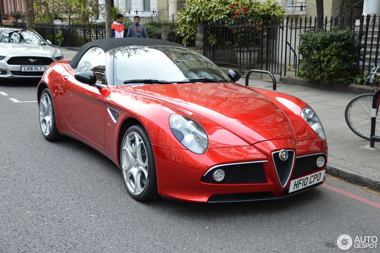 alfa romeo 8c spider 10 may 2016 autogespot. Black Bedroom Furniture Sets. Home Design Ideas