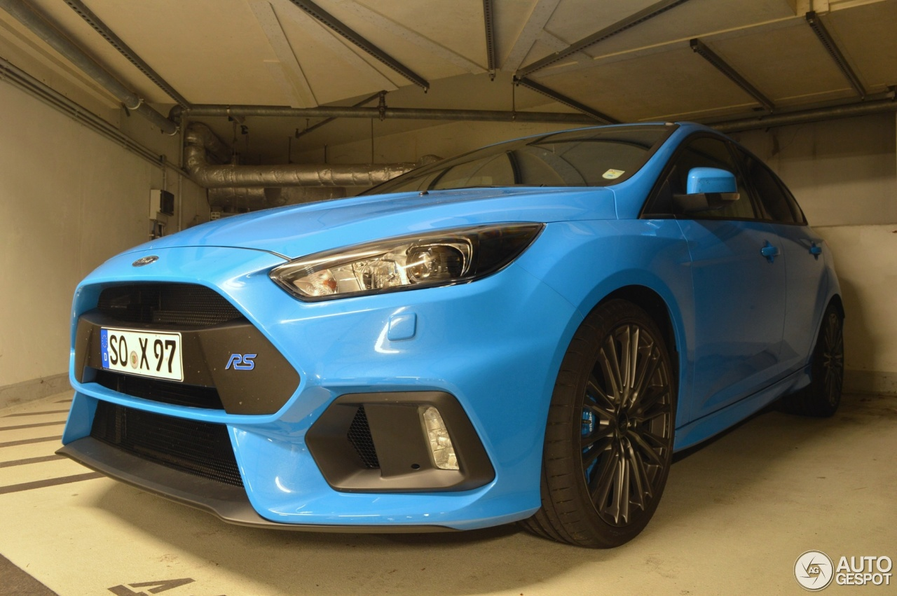 ford focus rs 2015 12 may 2016 autogespot. Black Bedroom Furniture Sets. Home Design Ideas