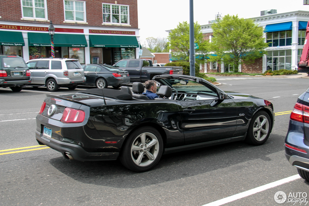 Ford Mustang Gt Convertible 2011 15 May 2016 Autogespot