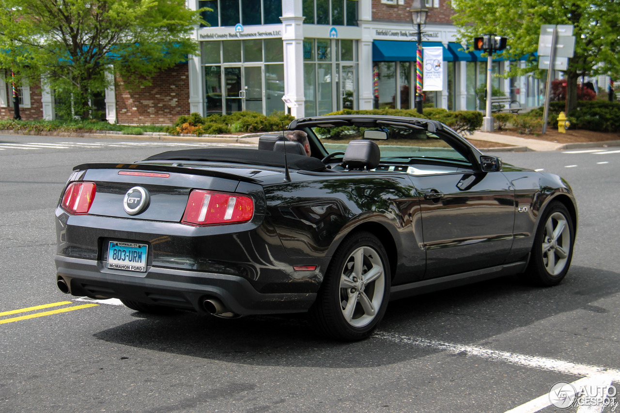 ford mustang gt convertible 2011 15 may 2016 autogespot. Black Bedroom Furniture Sets. Home Design Ideas