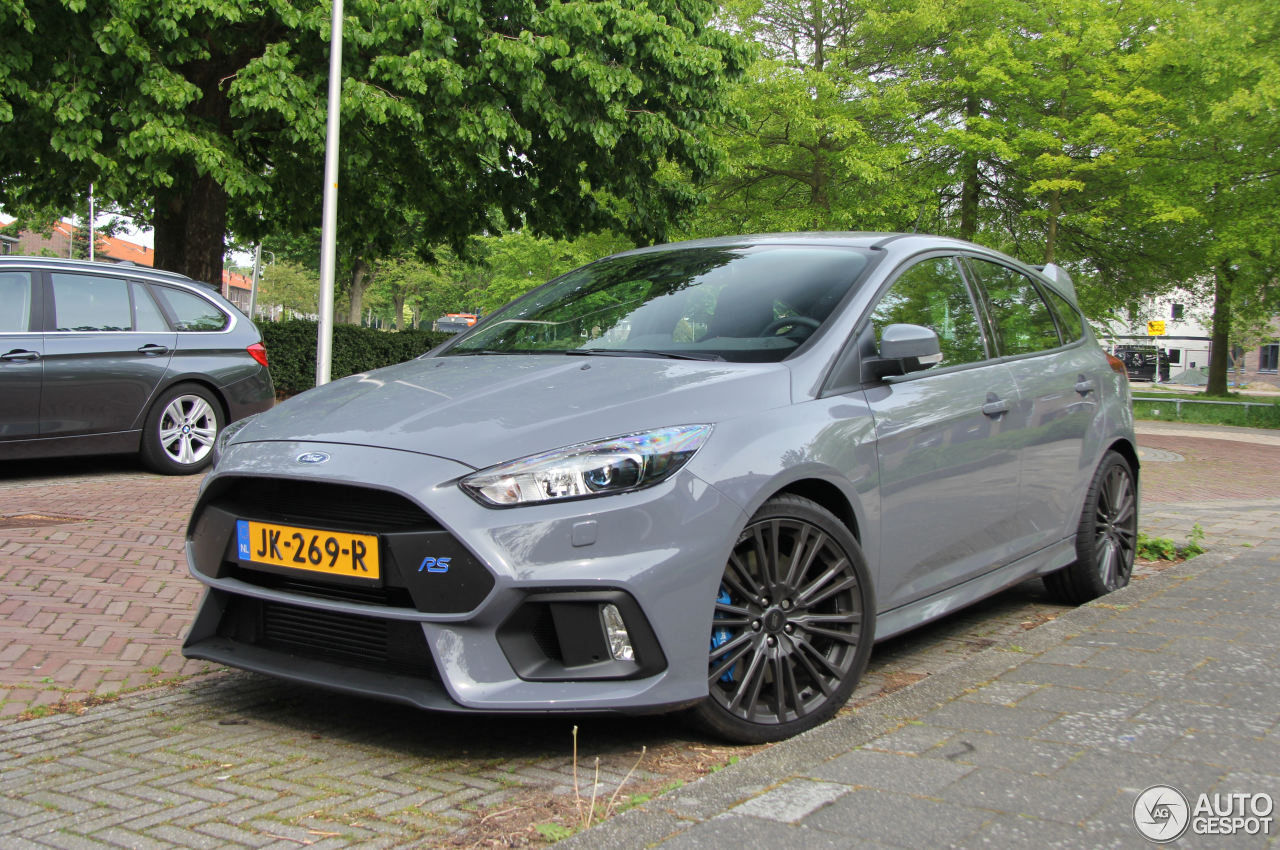 ford focus rs 2015 18 may 2016 autogespot. Black Bedroom Furniture Sets. Home Design Ideas