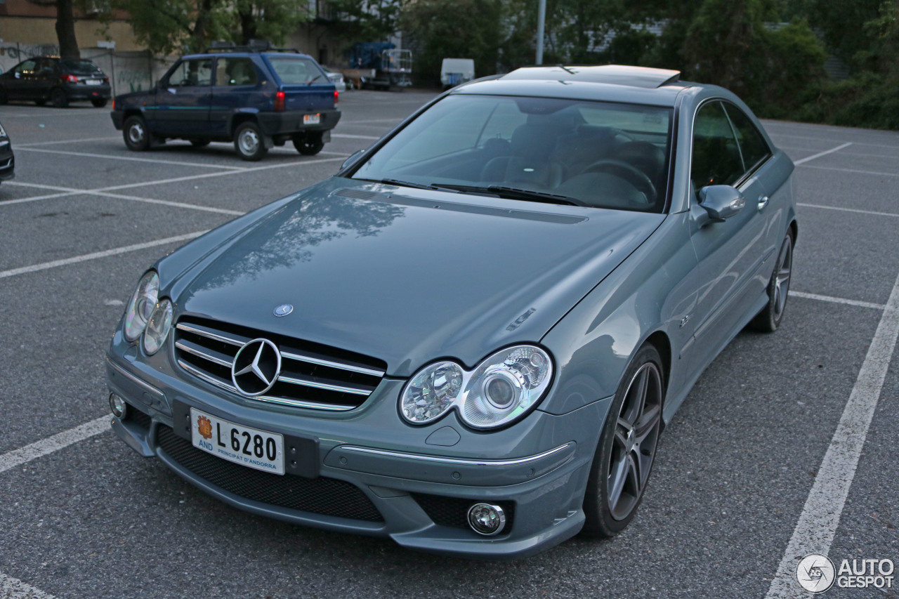 Mercedes benz clk 63 amg 18 may 2016 autogespot for Mercedes benz clk 63