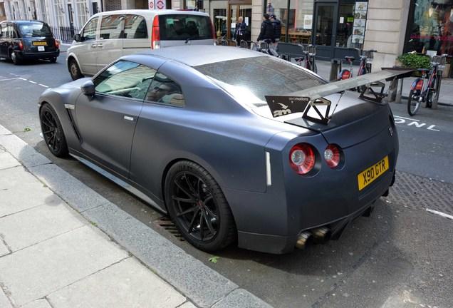 Nissan GT-R AMS Performance Alpha 10