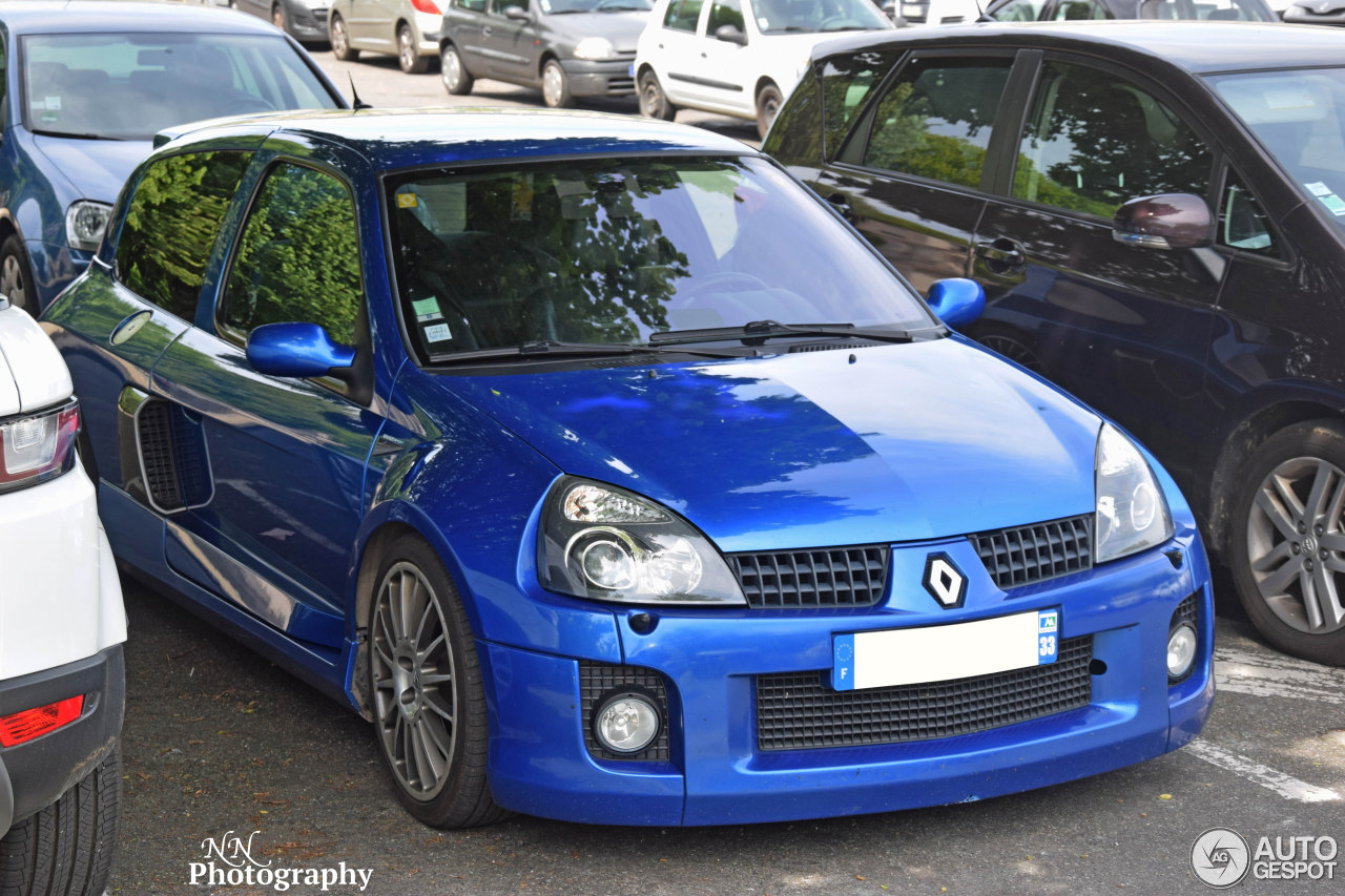 renault clio v6 phase ii 21 may 2016 autogespot. Black Bedroom Furniture Sets. Home Design Ideas