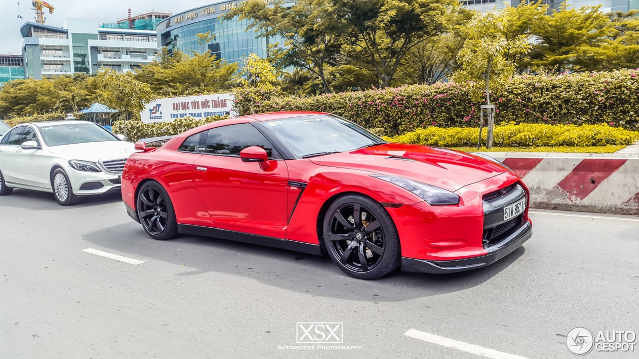 nissan gt r cobb tuning 23 may 2016 autogespot. Black Bedroom Furniture Sets. Home Design Ideas