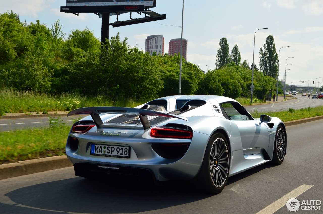 porsche 918 spyder 26 may 2016 autogespot. Black Bedroom Furniture Sets. Home Design Ideas