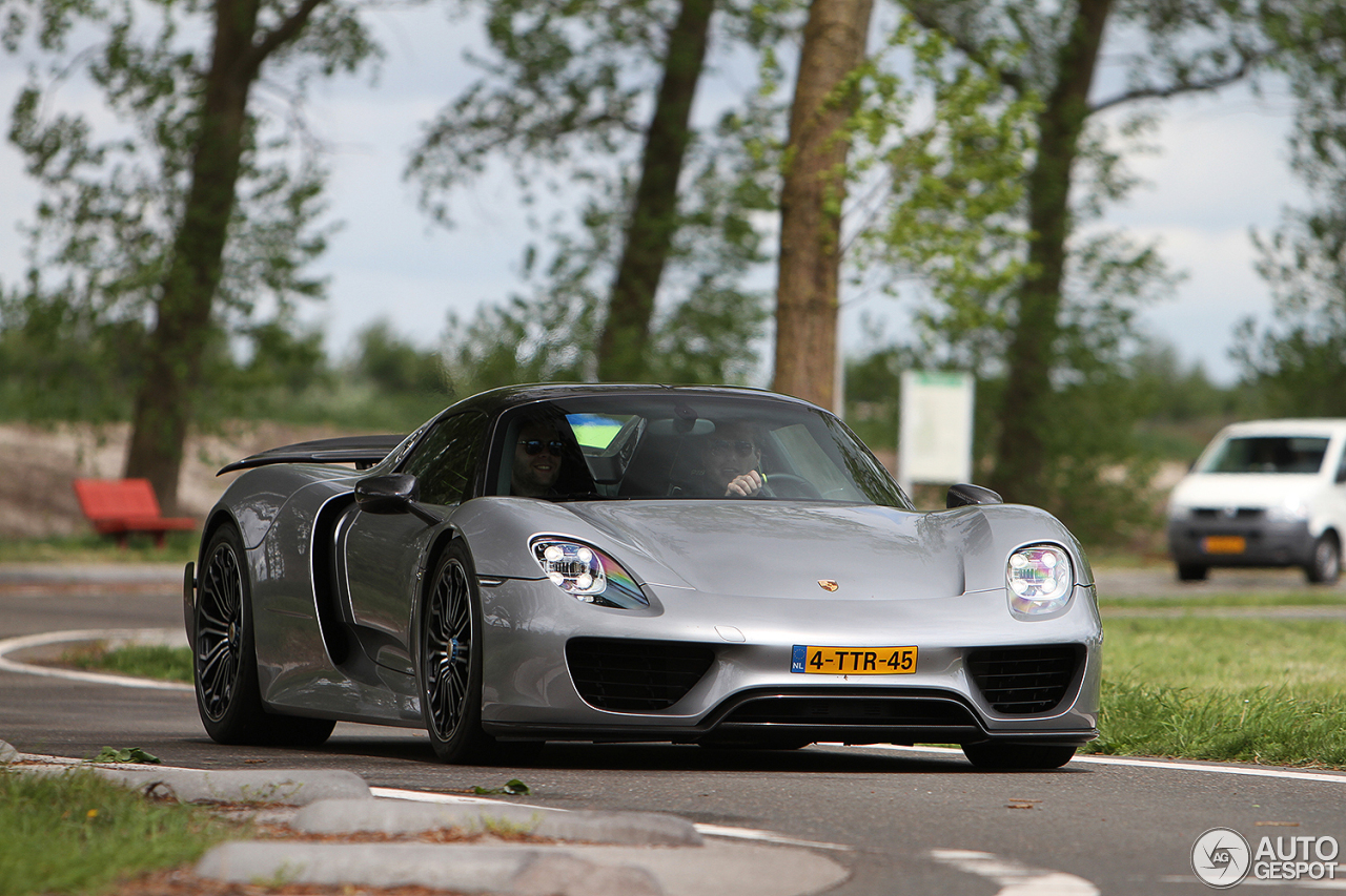 porsche 918 spyder weissach package 27 may 2016 autogespot. Black Bedroom Furniture Sets. Home Design Ideas