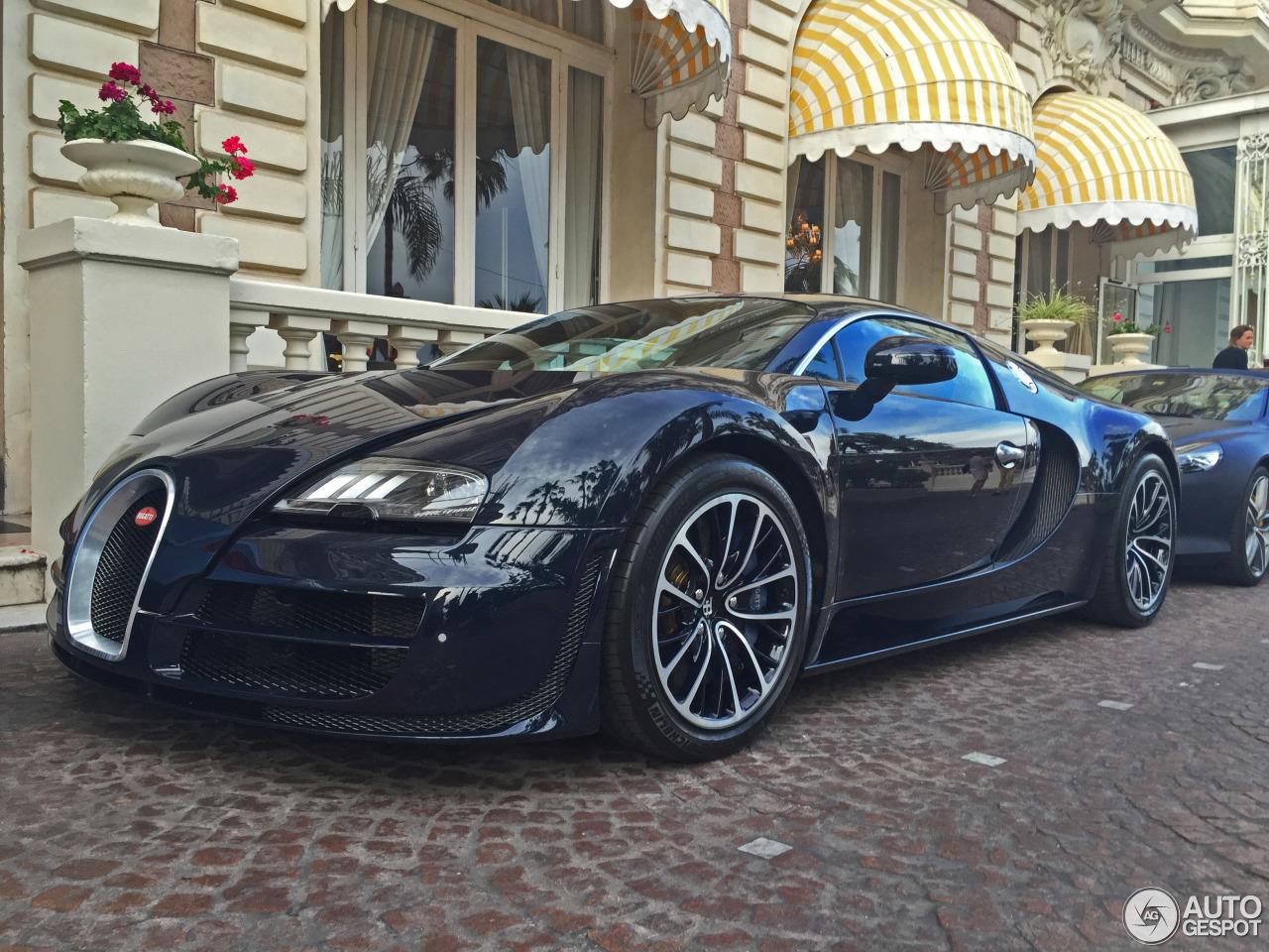 bugatti veyron 16 4 super sport 30 may 2016 autogespot. Black Bedroom Furniture Sets. Home Design Ideas