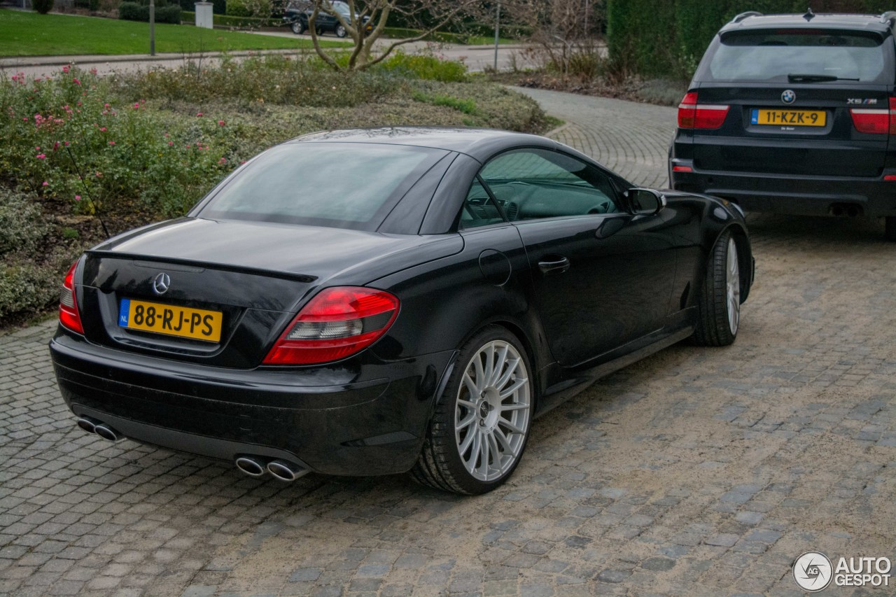 Mercedes benz slk 55 amg r171 30 may 2016 autogespot for 2016 amg slk55 mercedes benz