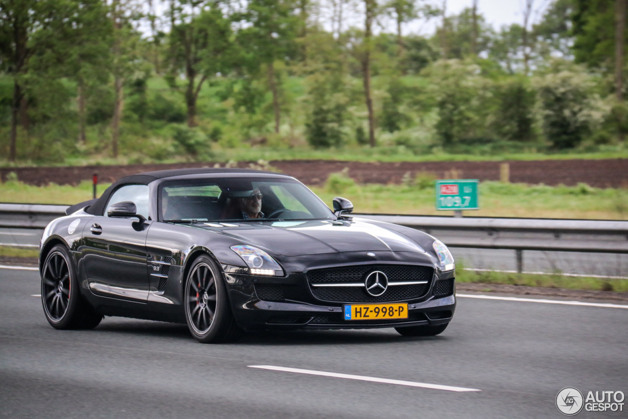 mercedes benz sls amg roadster 31 may 2016 autogespot. Black Bedroom Furniture Sets. Home Design Ideas