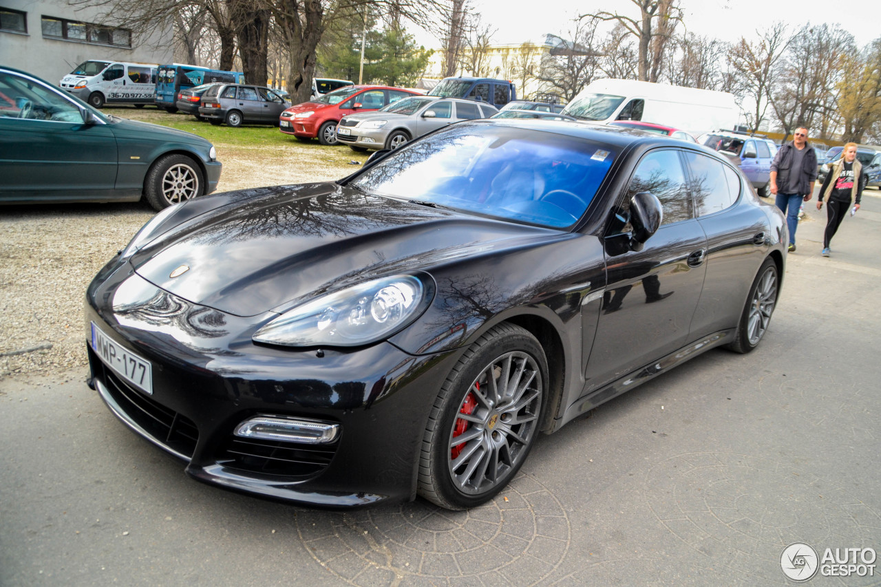 porsche panamera gts 1 june 2016 autogespot. Black Bedroom Furniture Sets. Home Design Ideas