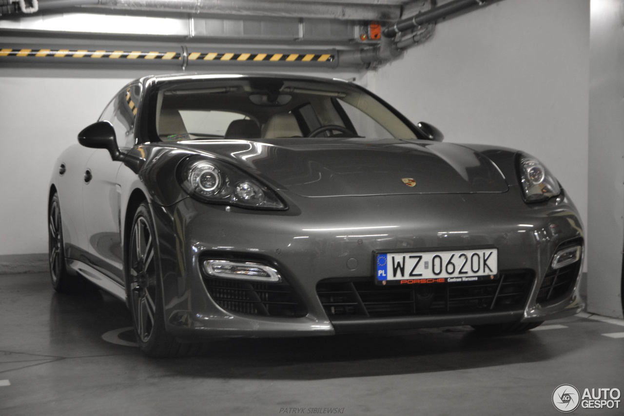 porsche panamera turbo s 1 june 2016 autogespot. Black Bedroom Furniture Sets. Home Design Ideas