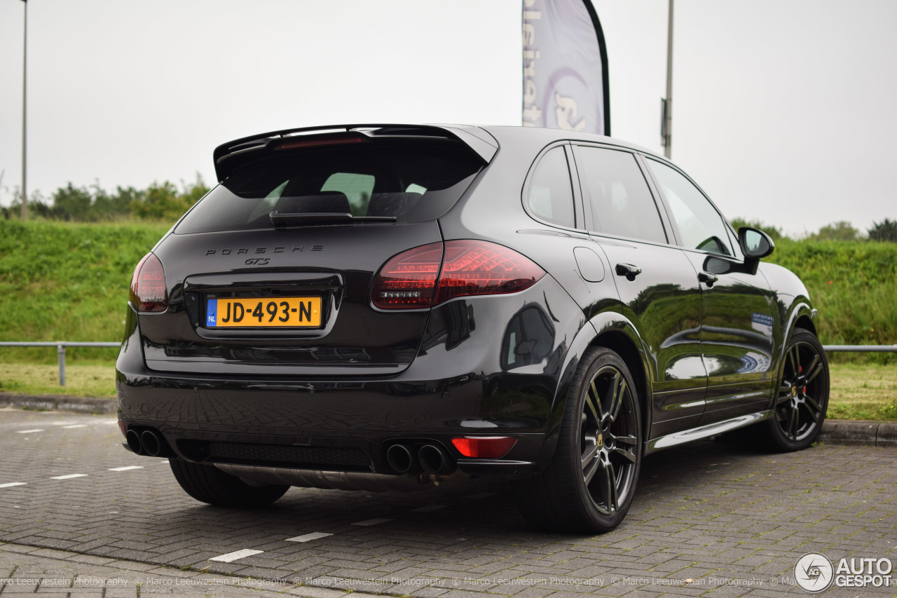 porsche 958 cayenne gts 2 june 2016 autogespot. Black Bedroom Furniture Sets. Home Design Ideas