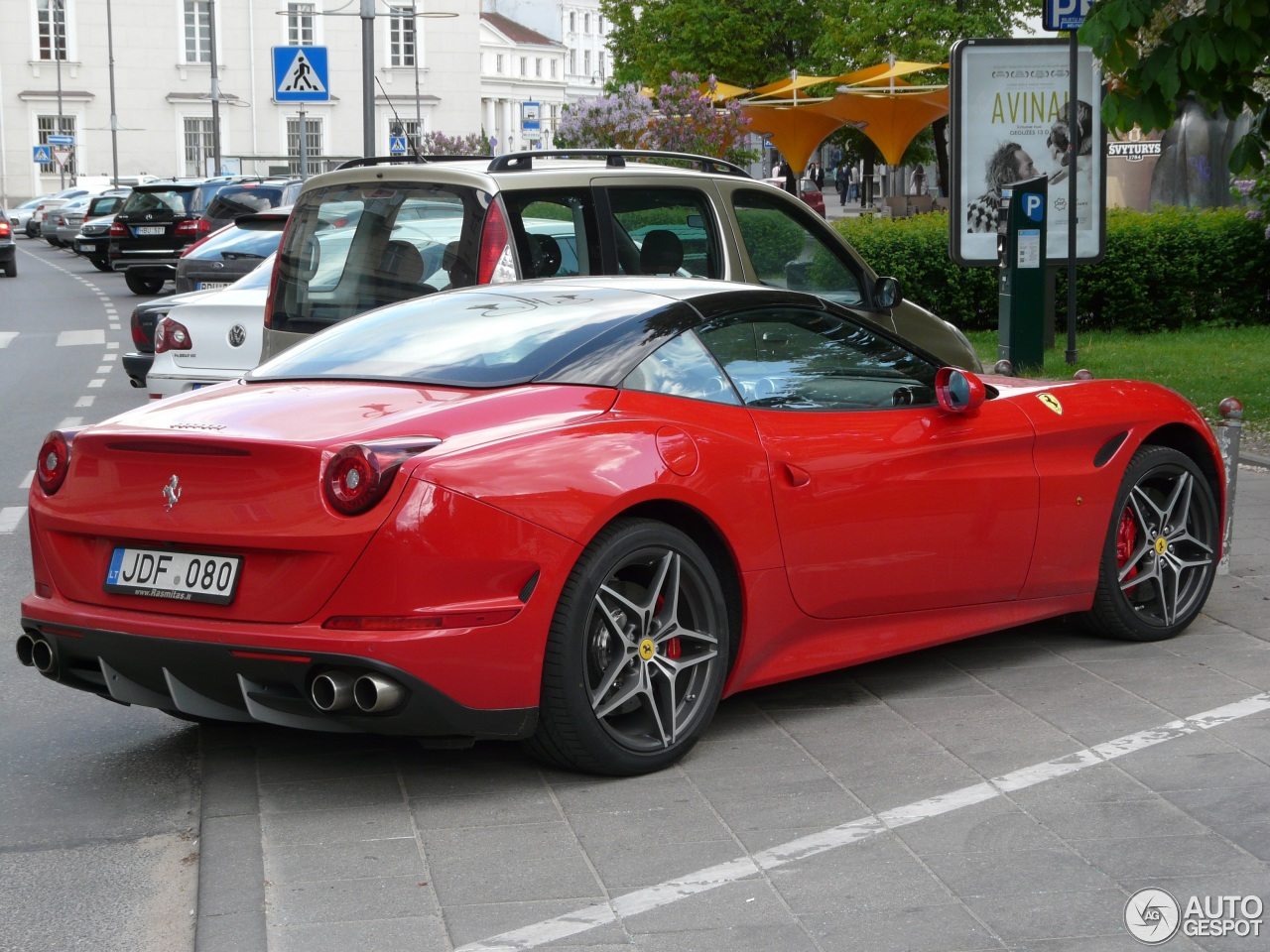 ferrari california t 5 2016 autogespot. Black Bedroom Furniture Sets. Home Design Ideas