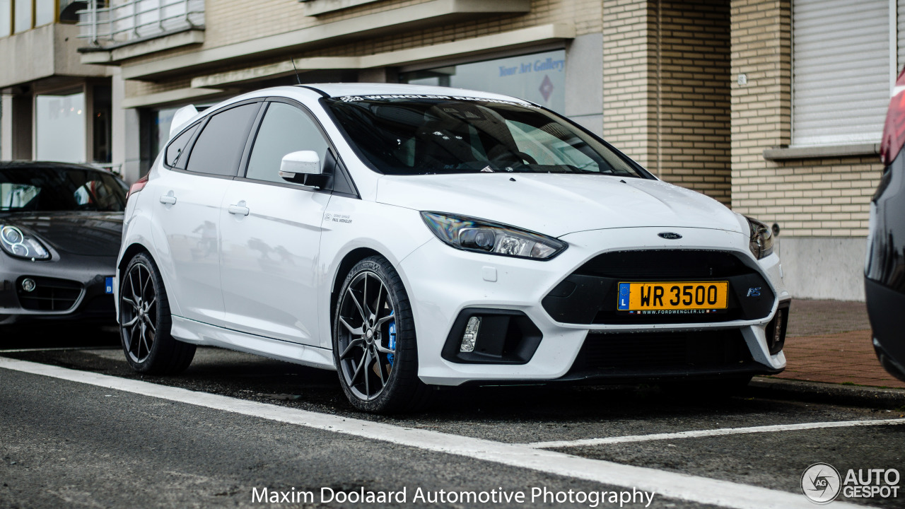 ford focus rs 2015 5 june 2016 autogespot. Black Bedroom Furniture Sets. Home Design Ideas