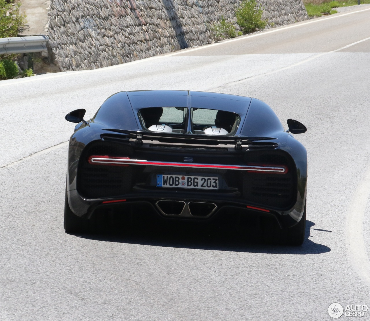 2016 Geneva Motor Show Bugatti Chiron First Look: Bugatti Chiron