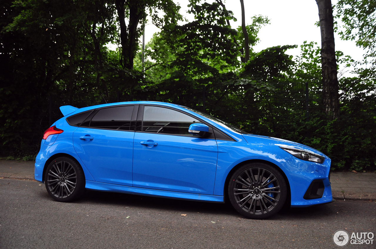 ford focus rs 2015 10 june 2016 autogespot. Black Bedroom Furniture Sets. Home Design Ideas
