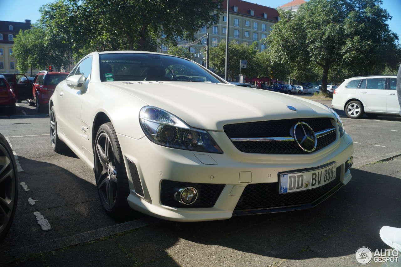 Mercedes benz sl 63 amg edition iwc 10 june 2016 for Mercedes benz sl550 amg price