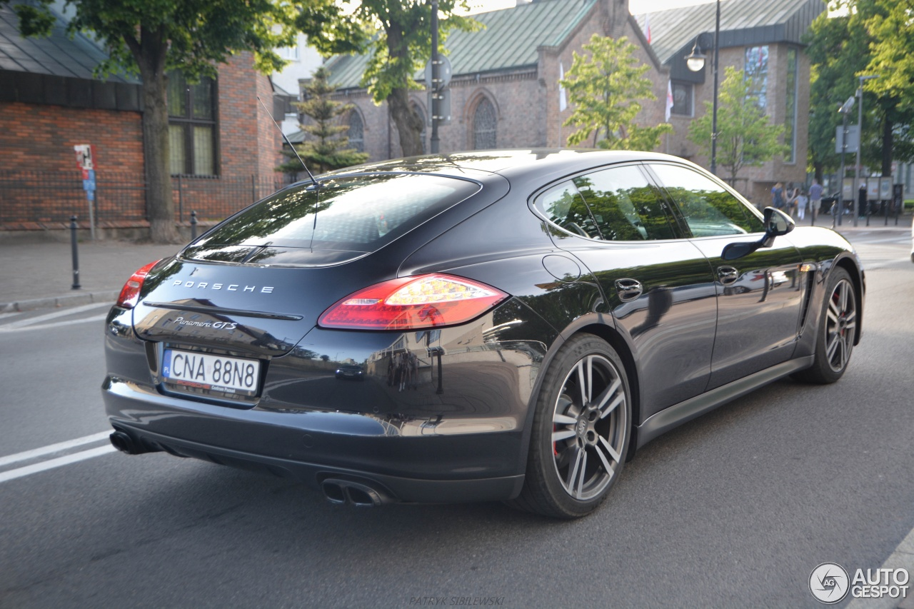 porsche panamera gts 10 june 2016 autogespot. Black Bedroom Furniture Sets. Home Design Ideas