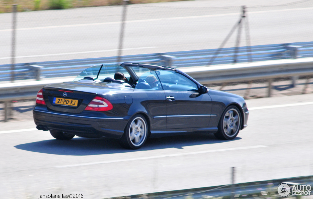 Mercedes benz clk 55 amg cabriolet 17 june 2016 autogespot for Mercedes benz clk