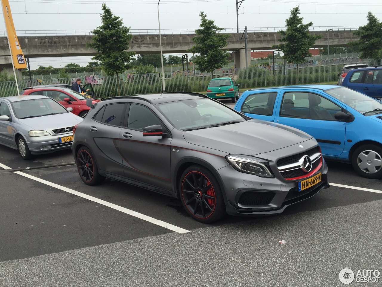 Mercedes benz gla 45 amg edition 1 17 june 2016 autogespot for Mercedes benz gla 45 amg