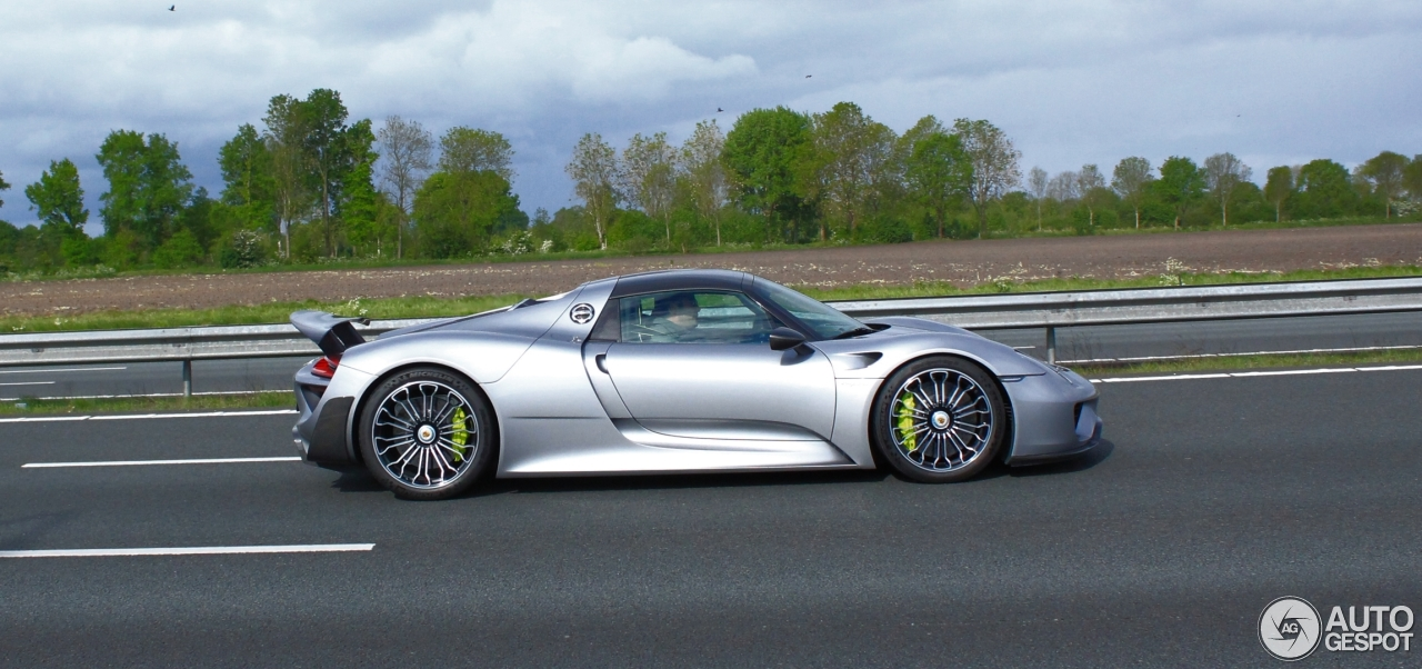 porsche 918 spyder weissach package 18 june 2016 autogespot. Black Bedroom Furniture Sets. Home Design Ideas