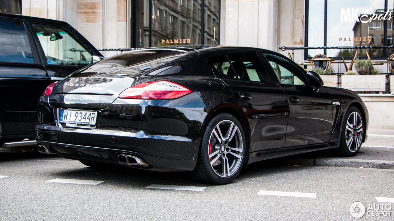 porsche panamera turbo s 22 juin 2016 autogespot. Black Bedroom Furniture Sets. Home Design Ideas