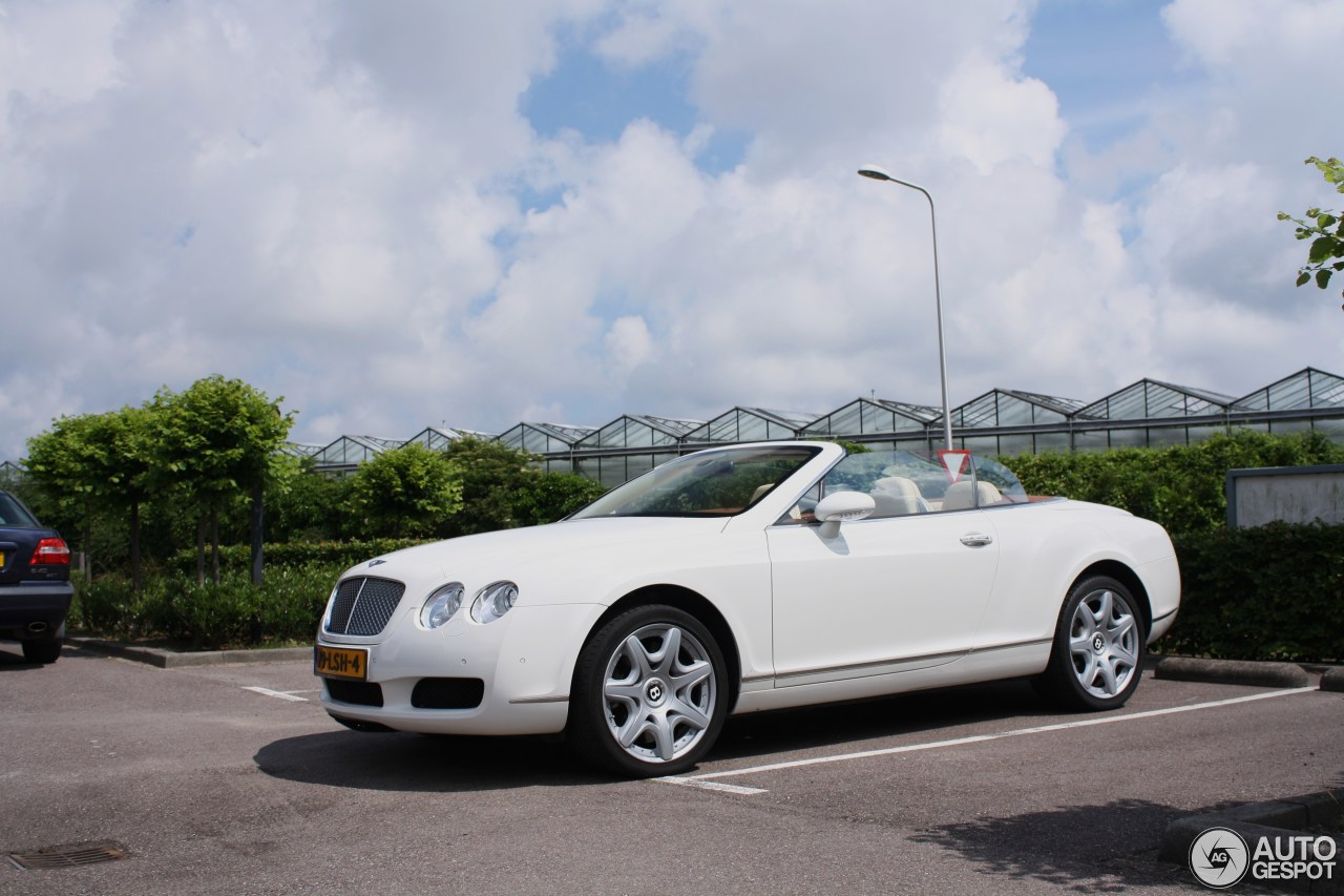 bentley continental gtc 26 june 2016 autogespot. Cars Review. Best American Auto & Cars Review