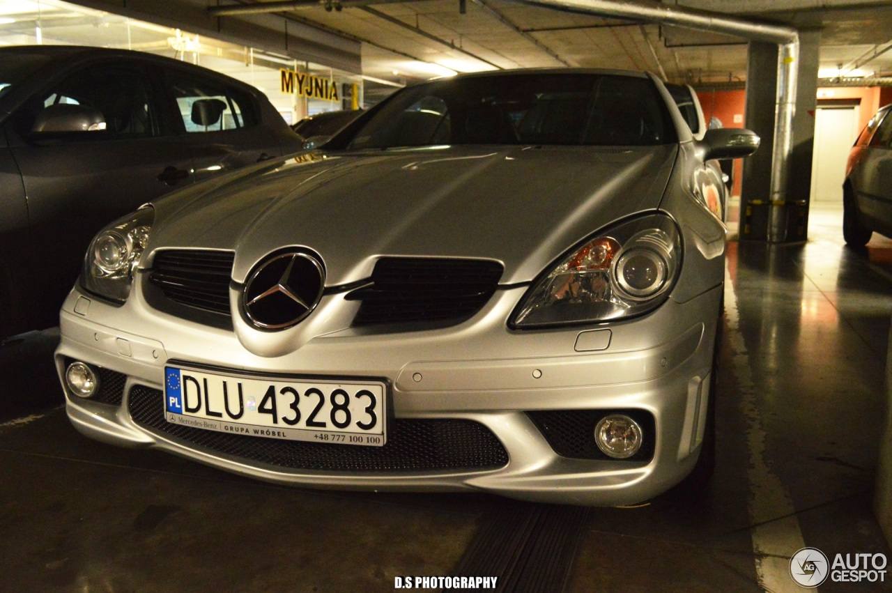 Mercedes benz slk 55 amg r171 30 june 2016 autogespot for 2016 amg slk55 mercedes benz