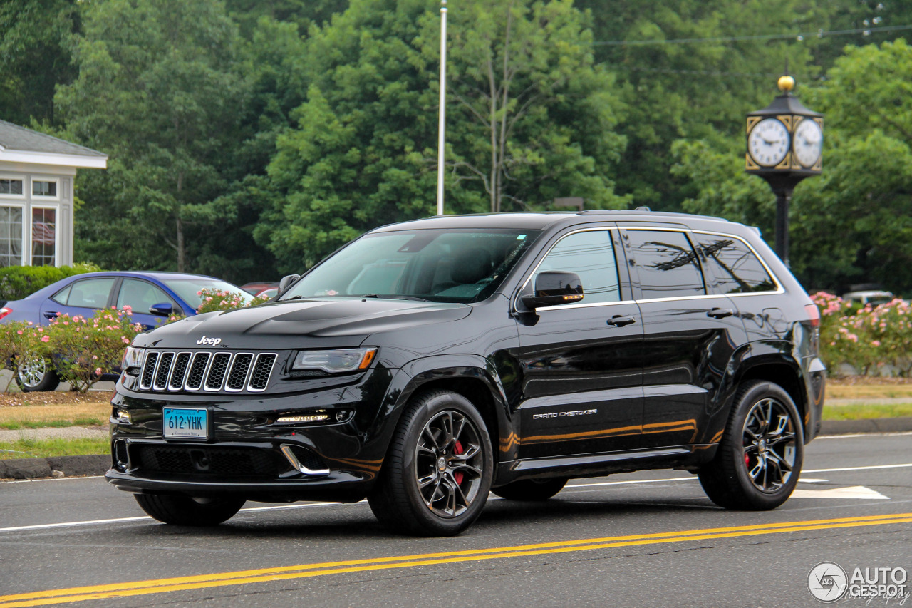 jeep grand cherokee srt 8 2013 1 juli 2016 autogespot. Black Bedroom Furniture Sets. Home Design Ideas
